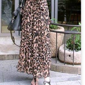 Robert Louis Leopard Print Long Skirt  Size XL